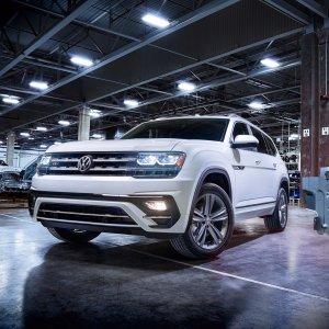 全新车型 半价Q72018 Volkswagen Atlas 家用三排座SUV