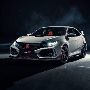 Fastest FF on Earth!2018 5th Generation Honda Civic Type R FK8