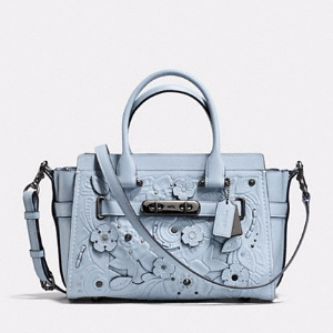 Coach Swagger 27 in Glovetanned Leather With Tea Rose Tooling