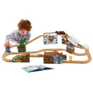 Thomas & Friends Wooden Railway Dustin Comes in First Train Set | DGK77 | Fisher-Price