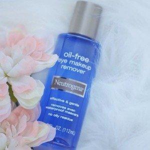 Neutrogena Oil-Free Liquid Eye Makeup Remover, 3.8 Fl. Oz. : Neutrogena Make Up : Beauty