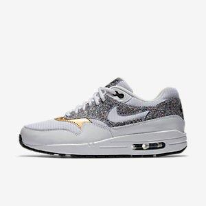 Nike Air Max 1 SE Women's Shoe.