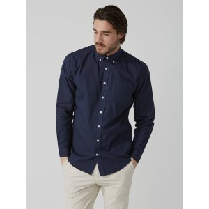 Garment-Dyed Lightweight Oxford Shirt in Black Iris | Frank And Oak