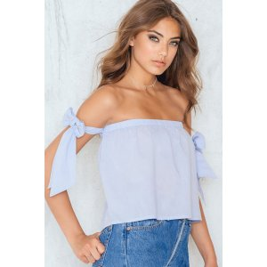 Off Shoulder Tied Sleeve Top - Buy online | NA-KD