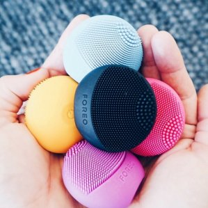 25% OffWith Foreo Orders Over $99 @ B-Glowing