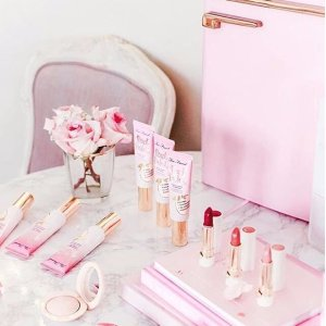 4 FREE Deluxe productsOn orders of $70+ @ Too Faced