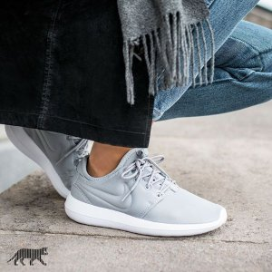 Nike Roshe Two Women's Shoe