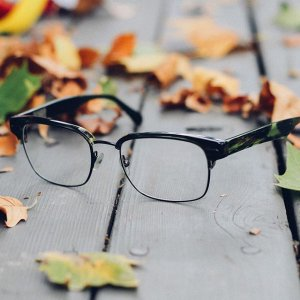 Free Lenseswith $160+ Purchase on Frame @ Glasses.com