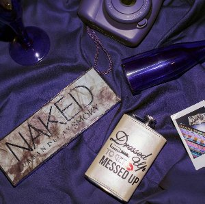 $27NAKED SMOKY  Eyeshadow Palette @ Urban Decay