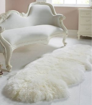 All For £35Royal Dream Sheepskin Rug @ The Hut (US & CA)