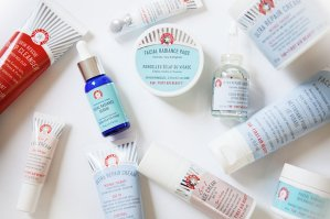 Free Hello FAB Coconut Skin Smoothie Priming  Moisturizer 0.34ozwith Orders over $75 @ First Aid Beauty