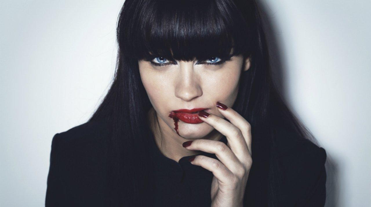 万圣节妆容,必备化妆工具GET! 逼真刀疤,大白脸这么画!