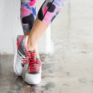 独家!9折收最舒服的跑鞋!ASICS新款和特价区商品特价热卖