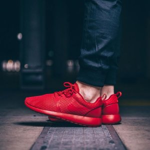 $69 Nike Roshe One Hyperfuse