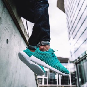 877d6ba2886e Men s Nike Roshe One Hyperfuse BR Casual Shoes - Dealmoon