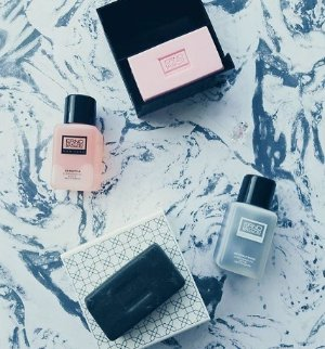 4 Sampleswith Every Purchase @ Erno Laszlo