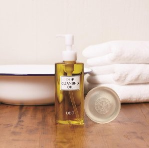 Deep Cleansing Oil @ DHC Skincare