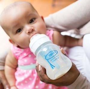 $11.88Dr. Brown's 布朗博士宽口径婴儿奶瓶 8oz 3个装
