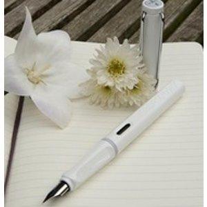 亚马逊中国¥168+包邮Lamy safari 狩猎者系列钢笔白色F尖 (标配吸墨器)