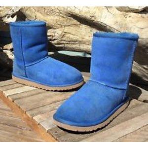$81.75起(原价$154.95)!适合5、6号的小脚妹纸!UGG经典短款雪地靴2色热卖