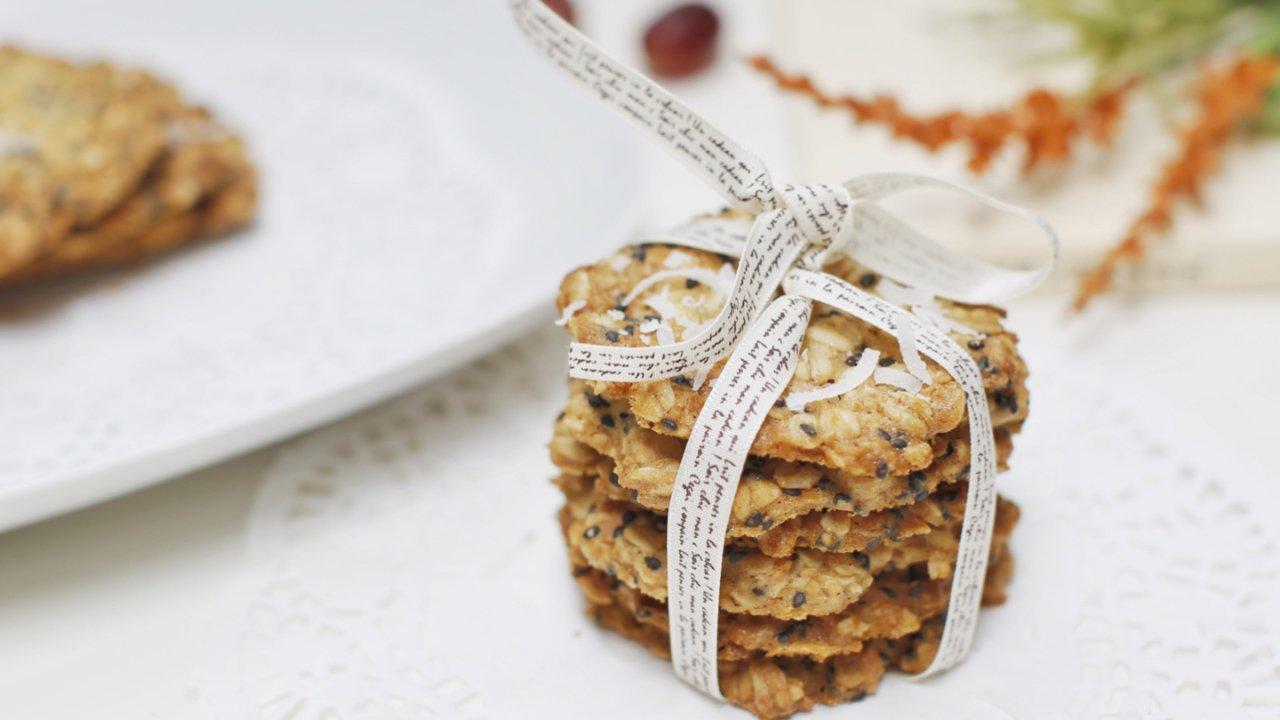 燕麦椰蓉饼干|一个勺子就可以做的健康甜点,要不要试一试?