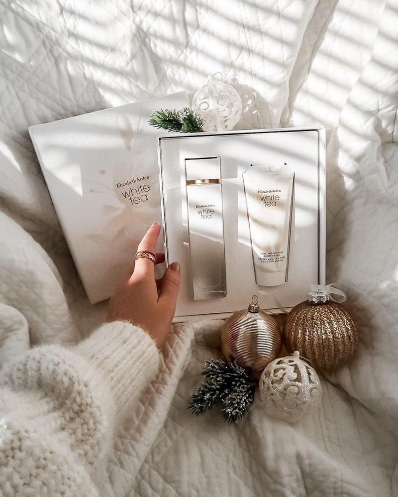 Elizabeth Arden 2-Pc. White Tea Eau de Toilette Gift Set 白茶香水套盒,香氛和身体乳液