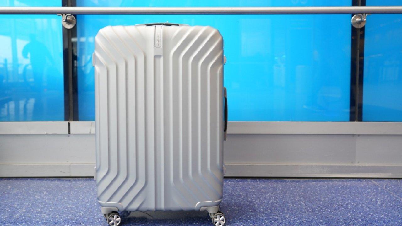 凹造型+实用性两开花   新秀丽Tru-Frame行李箱
