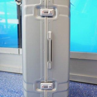 凹造型+实用性两开花 | 新秀丽Tru-Frame行李箱