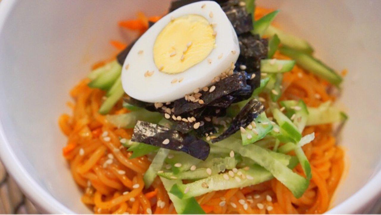 不去韩国也能吃到正宗韩国辣拌面|自制韩国料理(附实拍步骤图)