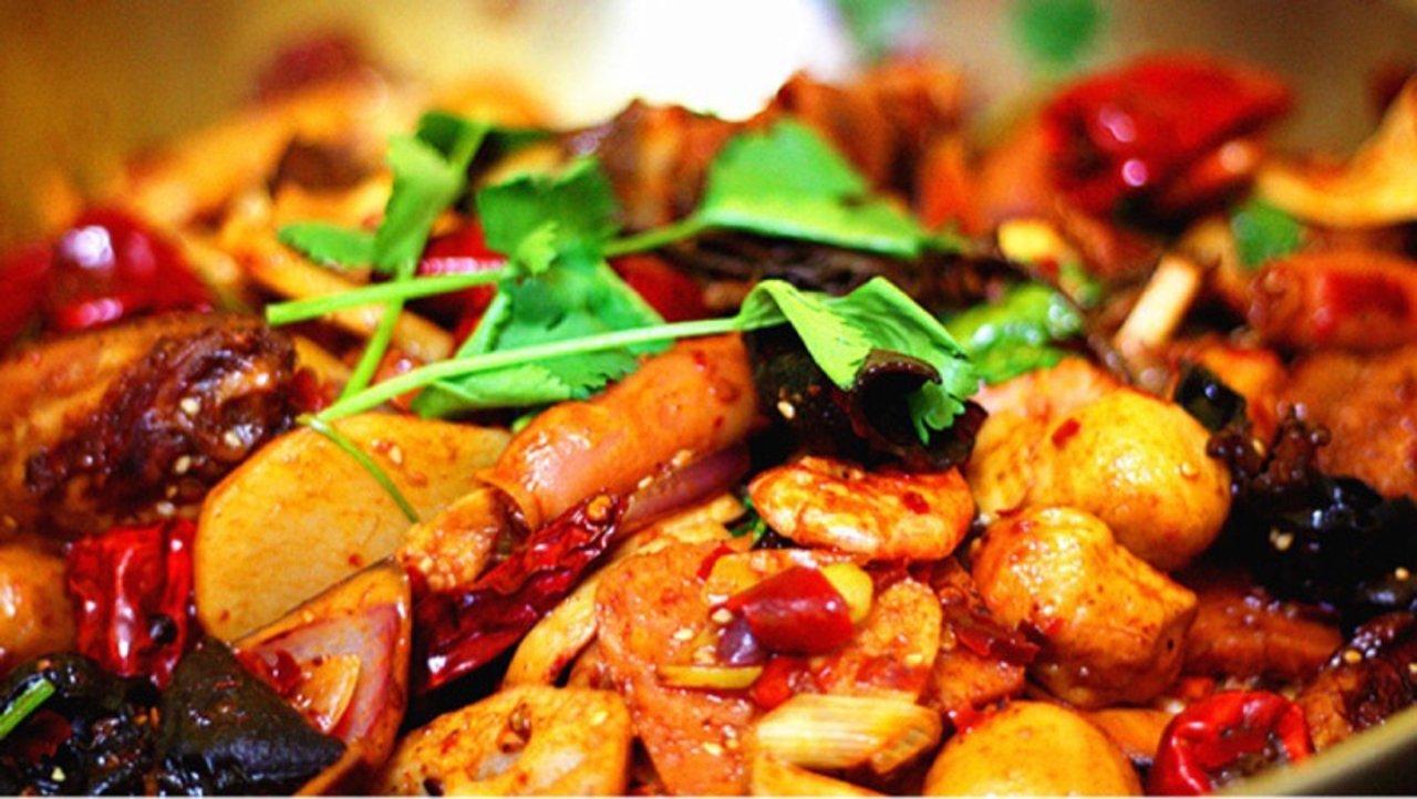肉丸香锅,冬天里的一把火(附多次实验、成功率超高的牛肉丸、香菜猪肉丸和虾滑方子)