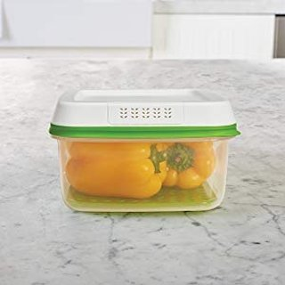 Rubbermaid FreshWorks Produce Saver Food Storage Container
