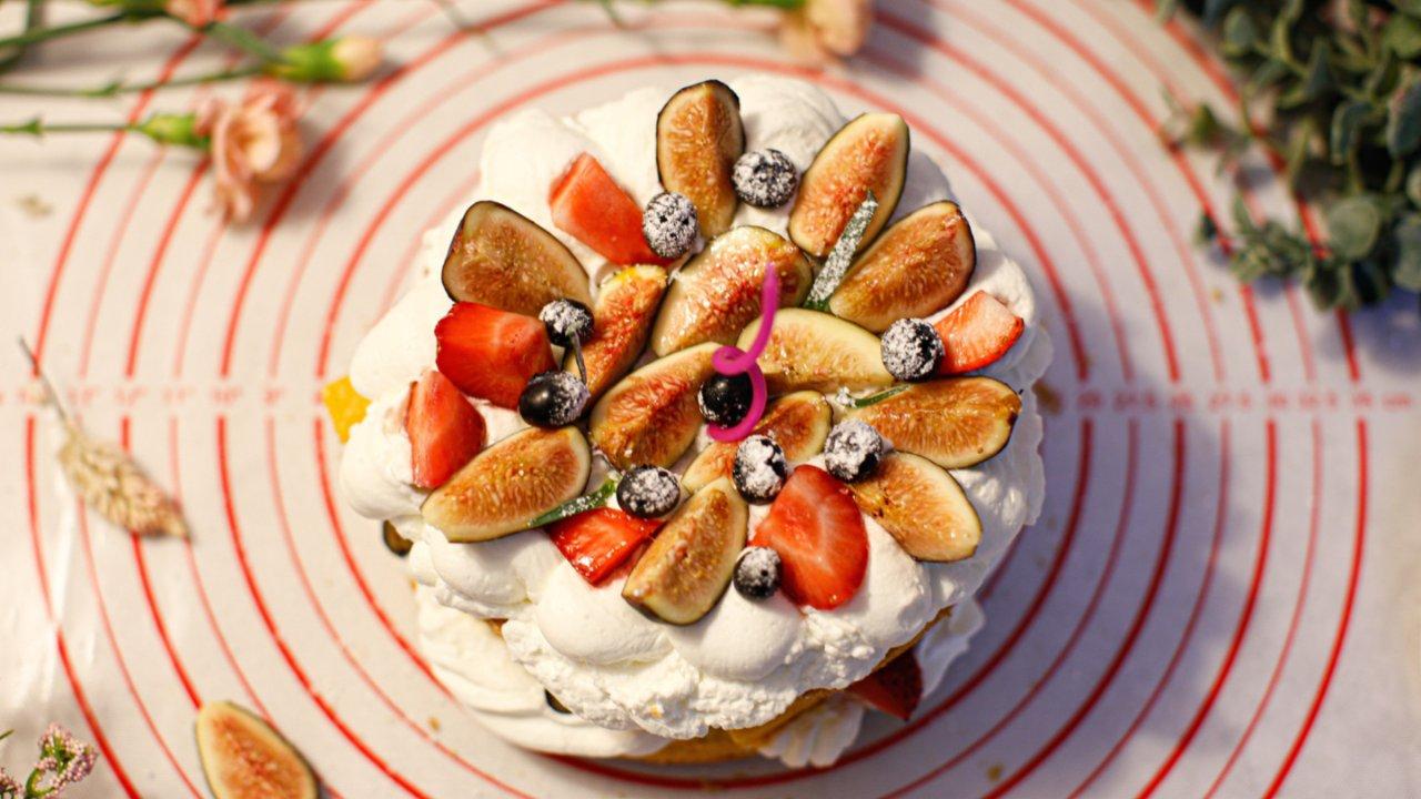 不用抹奶油的水果裸蛋糕(戚风蛋糕后蛋法,零失败)