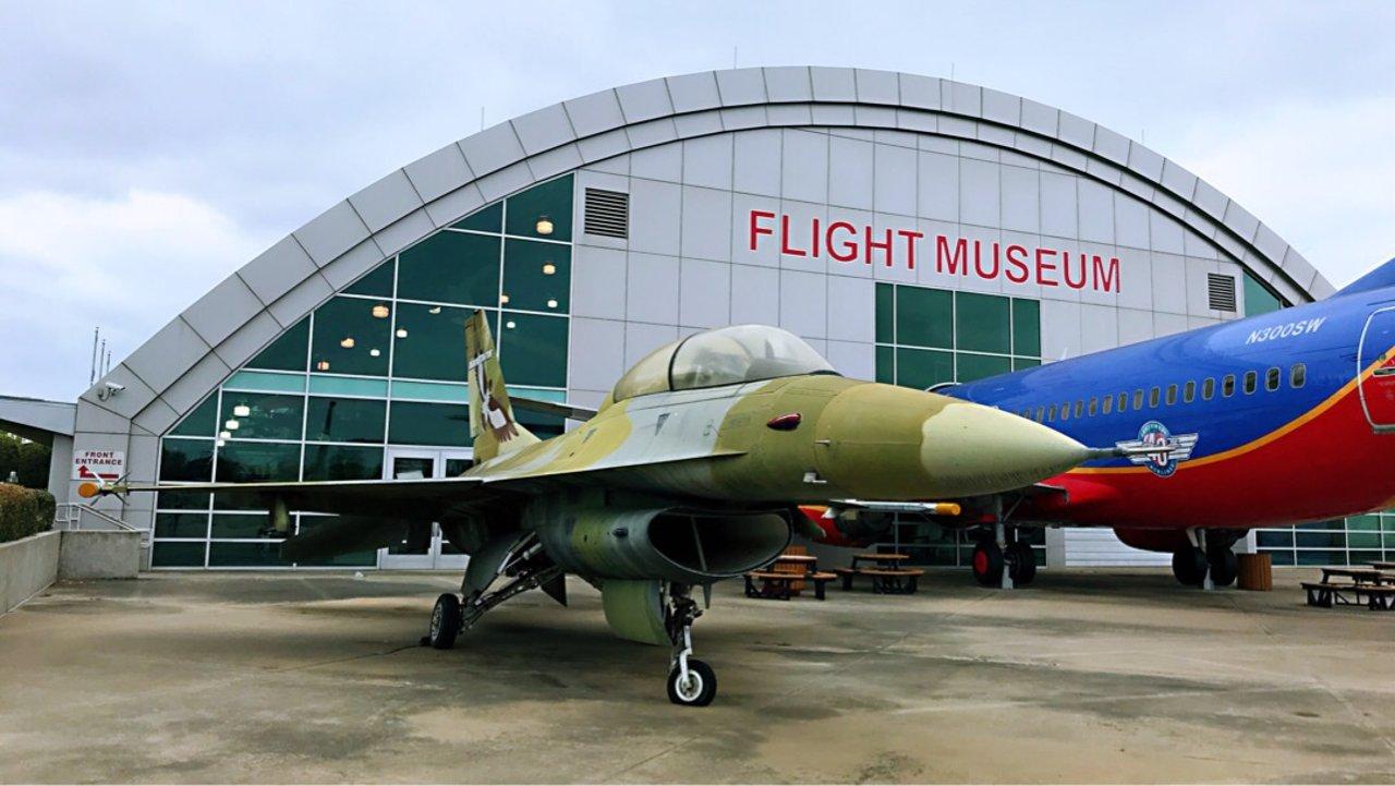 装X惯犯逛Frontier Flight Museum(一)