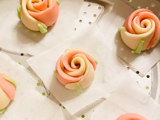 适合情人节的玫瑰花卷