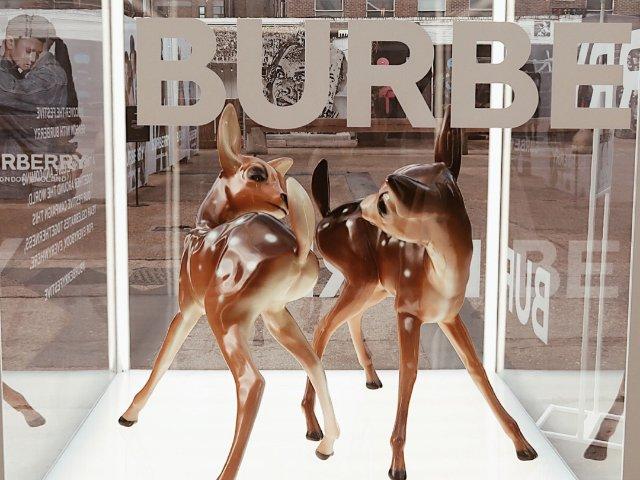 Burberry大型AR限时活动