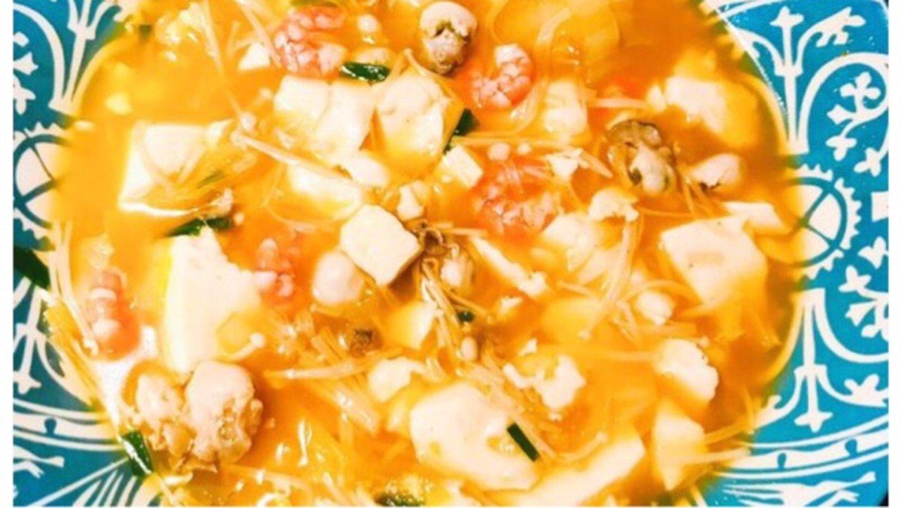 快手菜٩̋(๑˃́ꇴ˂̀๑)之韩国海鲜豆腐汤