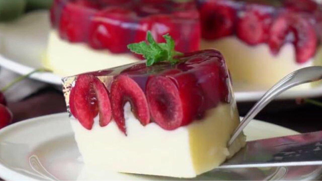 新晋网红| 无需烤箱也能做出颜值即美味的车厘子香草冰淇淋蛋糕