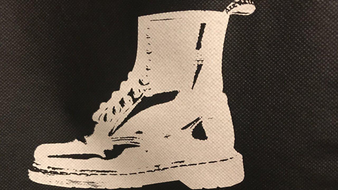秋冬鞋 Dr. Martens Boots 大不列颠雨季来临的冬天必备款