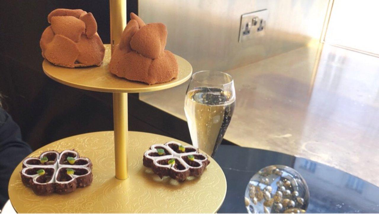 伦敦 cakes& bubbles at Hotel Cafe Royal探店