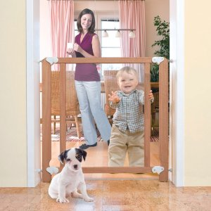 $29Summer Infant Sure & Secure Perfectly Clear Gate