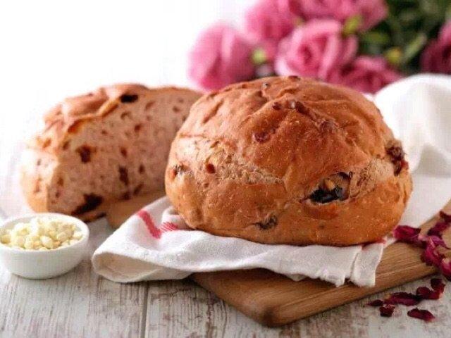 面包都有了,爱情还会远吗