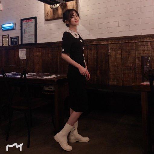 百搭平底鞋和lady范的黑色长裙