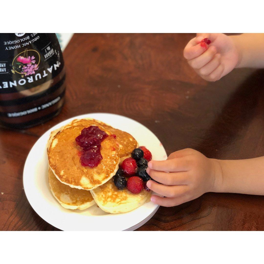 美味又营养的自制pancake与带壳坚果