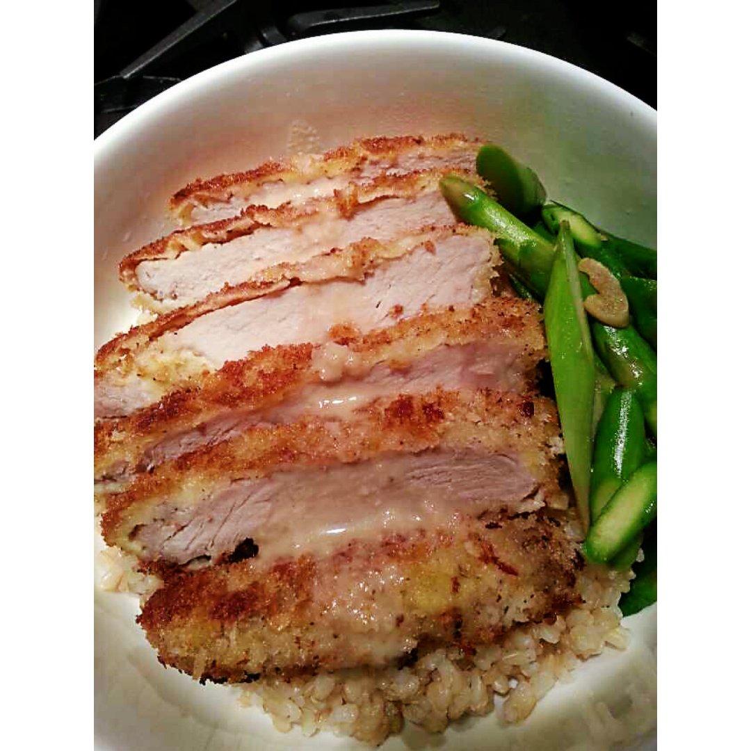 简单的午餐~猪排盖饭