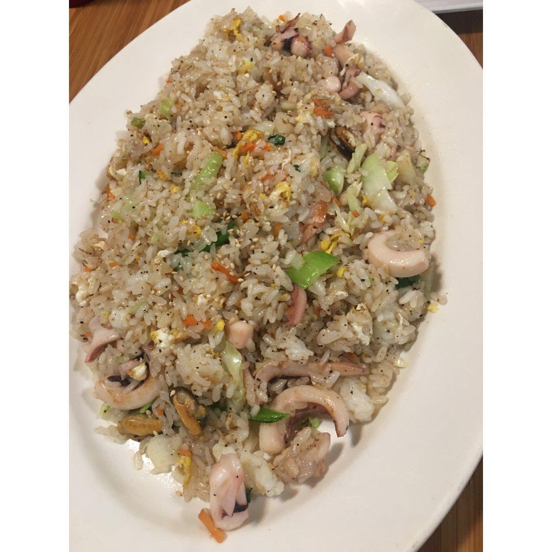 韩式海鲜炒饭