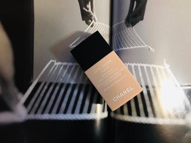香奈儿Chanel活力亮泽水凝粉底液