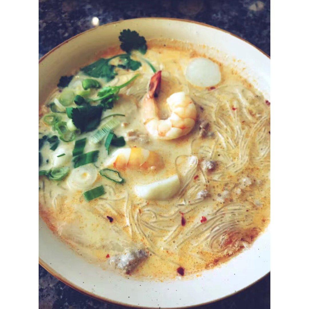 米粉攤7⃣️海鮮米粉湯
