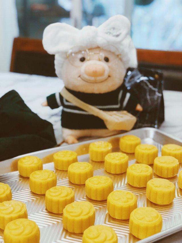 自制流心奶黄月饼 第一次练手