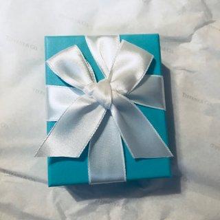 闺蜜送我的情人节礼物~🙈🙈...