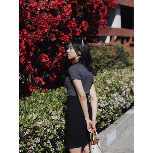#昆娜穿搭#黑白灰冷色调也有想春游的少女心